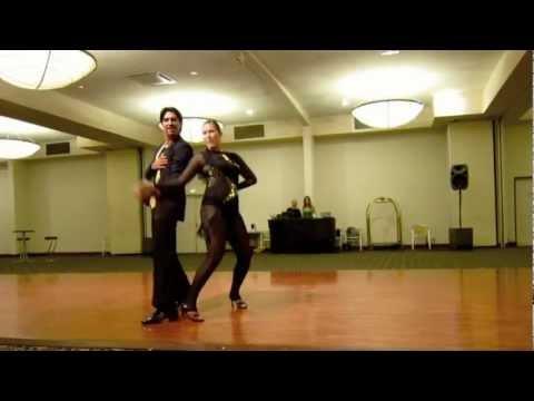 Juan & Josie – teaching and performing at DARLING HARBOUR